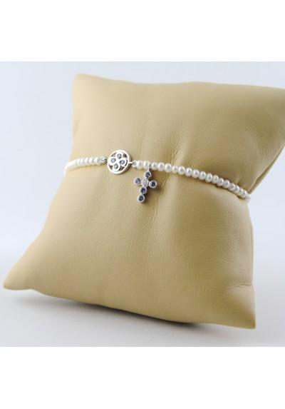 Bracelet chapelet diamants saphirs et perles blanches or blanc